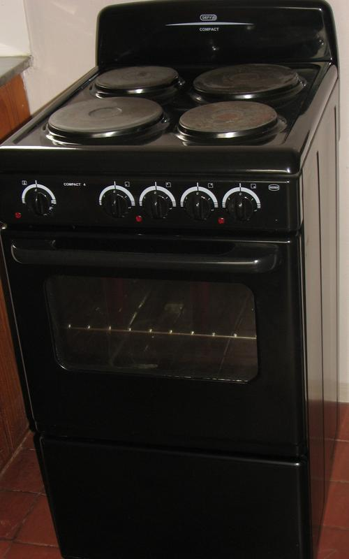 Hobs Stoves Amp Ovens Defy 4 Plate Stove And Oven As New