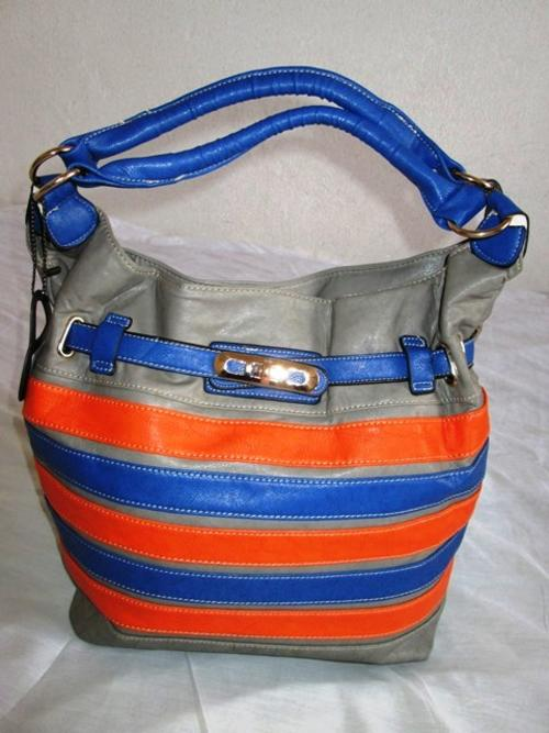 a6e0afc108 Handbags   Bags - Prasdos Handbag was sold for R190.00 on 5 Dec at ...