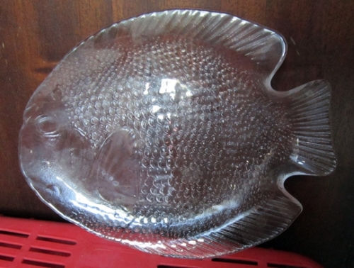 Bowls dishes fish shaped glass serving platter was for Fish serving platter