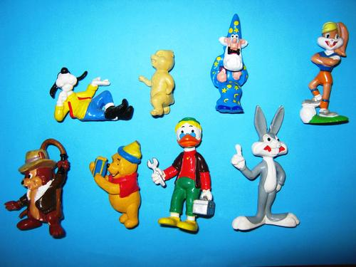 Other Collectable Toys Eight Plasticrubber Toys Including Goofy