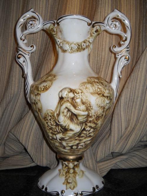 Other Porcelain Amp Ceramics Gorgeous Vintage Keramos R Capodimonte Italy Double Handled Mantle
