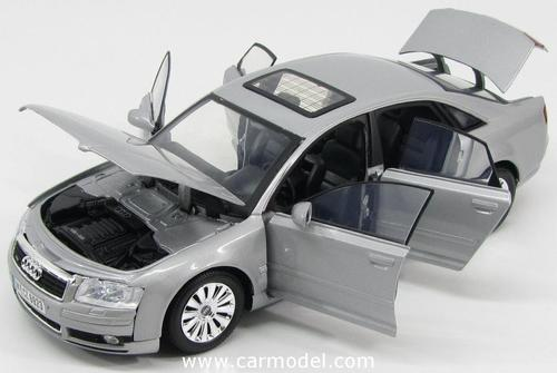 Motormax 1:18 Audi A8 Die Cast Scale Model