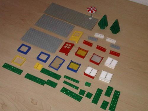 1980's Vintage Lego House Pieces