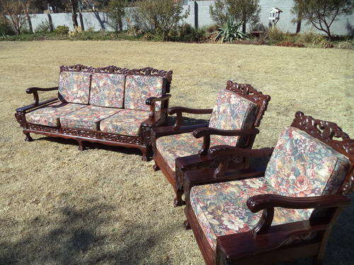 Merveilleux A BEAUTIFUL BALL AND CLAW LOUNGE SUIT   3 SEATER U0026 2 SINGLE CHAIRS