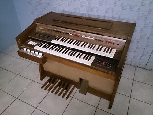 Piano organ yamaha electone model d 3 was sold for for Yamaha electone organ models