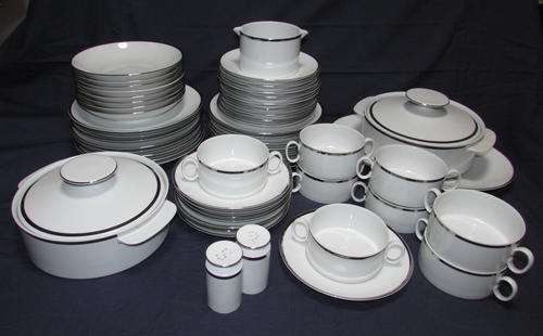 ROSENTHAL THOMAS MEDAILLON DINNER SET- 54 pieces - Classic and Elegant Design & German Porcelain - ROSENTHAL THOMAS MEDAILLON DINNER SET- 54 pieces ...