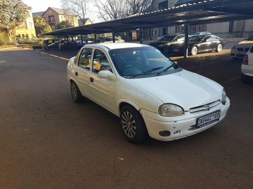 opel 1999 opel corsa 160i sedan was sold for r16 on 31 jul at 23 46 by onlinebargains. Black Bedroom Furniture Sets. Home Design Ideas