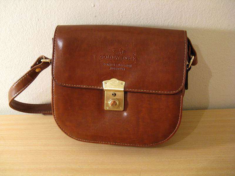 Handbags Bags Golden Duck Leather Collection Modaitalia Includes Key Cr37 Was Sold For R175 00 On 5 Jul At 17 By Fleamarketonline In Cape Town