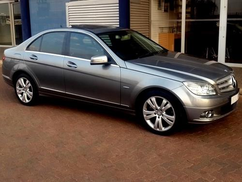 Mercedes benz 2010 mercedes benz c200 cgi a t with for Mercedes benz sunroof repair