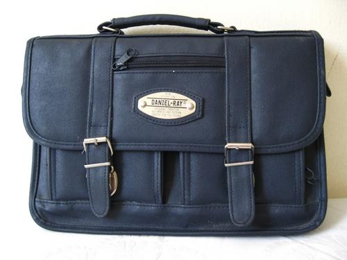 a9e5a354123 VINTAGE NAVY BLUE DANIEL RAY MINI BRIEFCASE SATCHEL MESSENGER BAG