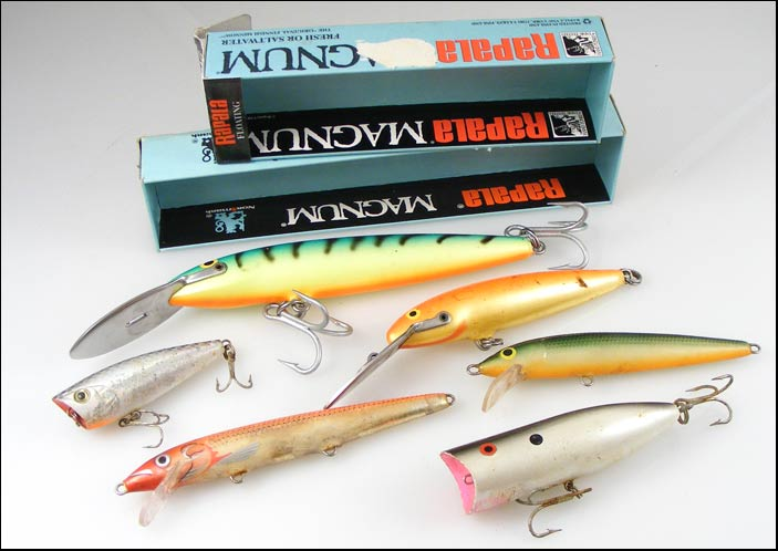 Lot of 8 vintage fishing Lures - 4 Rapala + 2 Abu Garcia + 2 unmarked lures  | bidorbuy co za