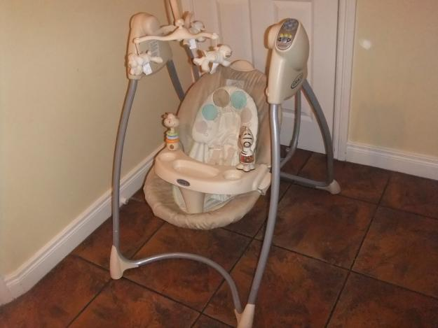 Graco Baby Swing Was Sold For R320.00 On 13
