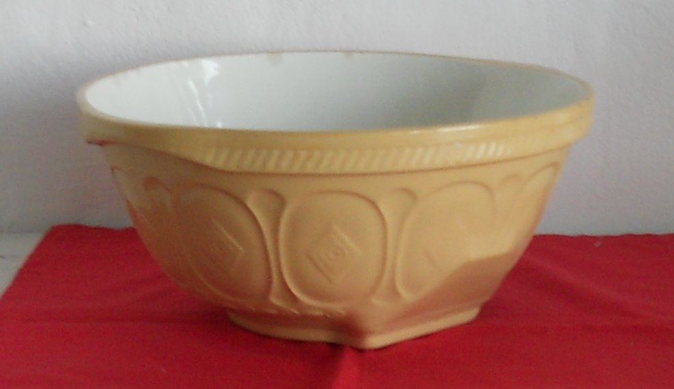 Crockery - LARGE T G GREEN GRIPSTAND MIXING BOWL - CHURCH GRESLEY ...