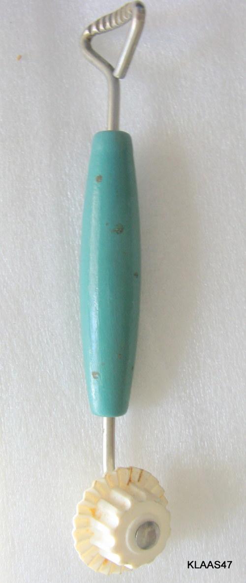 Utensils Pie Crust Crimper Trimmer Sealer Blue