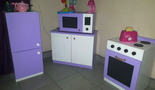 Other kids 39 furniture small childrens kitchen set for Small childrens kitchen set