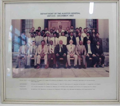 Department Of Auditor-General Umtata - December 1983 Phot Framed Behind Glass - 42cm/37cm