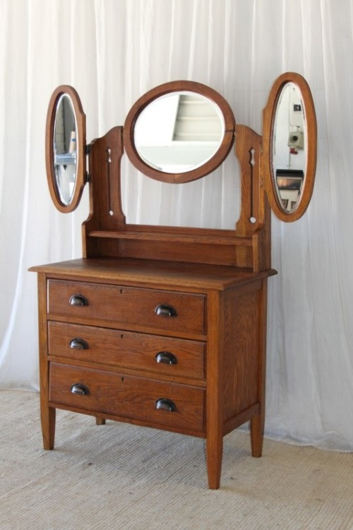 commodes a superb antique solid oak 3 drawer chest of drawers dressing table w tri folding