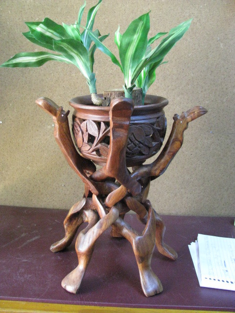 Ethnic tribal art a vintage puzzle plant stand carved
