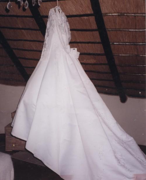 White Damask Satin Wedding Dress Was