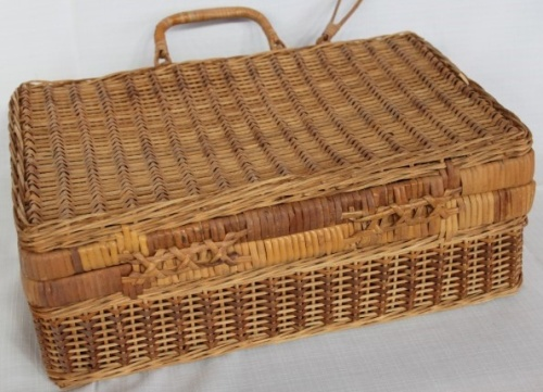 Hire Picnic Baskets Cape Town : Baskets boxes a beautiful wicker picnic basket with
