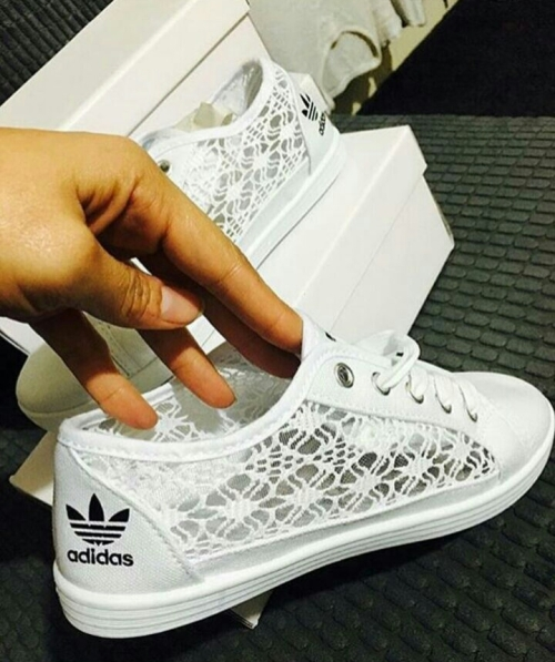 new arrival 4b4b7 0663f Adidas lace ladies sneakers