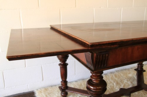Tables a superb antique 6 to 8 seater walnut extendable for Monastery extension dining table