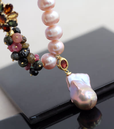 06bfa7621 SHOWY REAL PINK PEARL NECKLACE WITH ASYMMETRICAL TOURMALINE GEMSTONE  CLUSTERS & DANGLY BAROQUE PEARL PENDANT. GOLD-HUED STERLING SILVER. 925