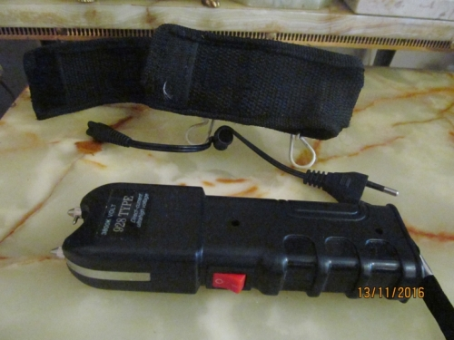 Personal Security - STUNNER !! 928 Type 3800K Volt Direct Current