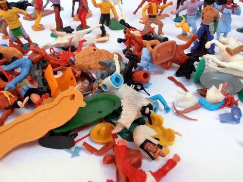 Other Antiques Collectables Vintage Lot Of Plastic Cowboys