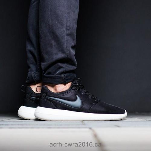 Sneakers - Original Mens NIKE ROSHE TWO 844656 003 Black  Anthracite ... 7c27f10865