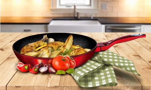 Cookware Sets Bh 1252 Frypan 24 Cm Burgundy Metallic