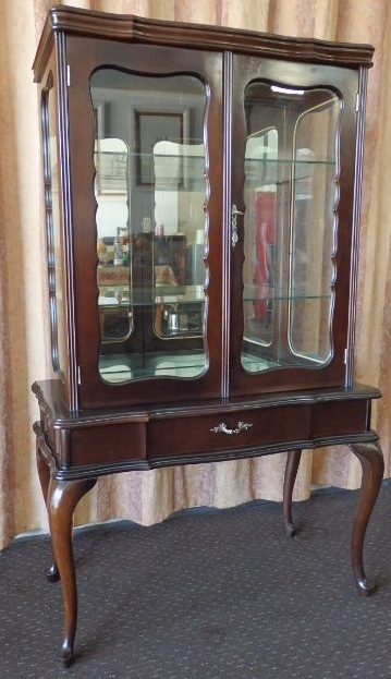 Cabinets   A BEAUTIFUL ANTIQUE SHOW CABINET W/ STUNNING QUEEN ANNE STYLED  LEGS U0026 GLASS SHELVES Was Sold For R3,210.00 On 21 Feb At 12:16 By RS17  Lifestyle ...