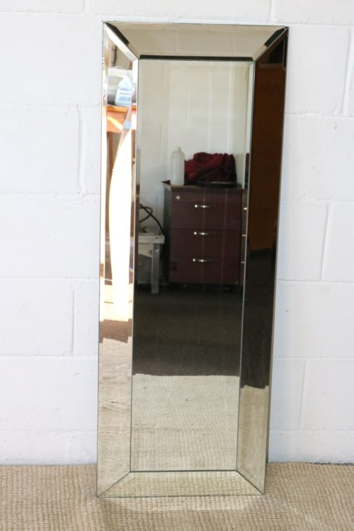 Mirrors A Magnificent Modern Rectangular Frameless Wall Mirror With 5x Beveled Glass Panels Rs17m Was Sold For R999 00 On 19 Nov At 10 54 By Lifespace Homeware In Gauteng Id 309739134