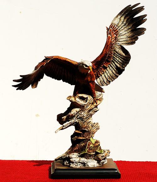 Giuseppe Armani sculpture figurine  Title 0999S EAGLE ON BRANCH H 34 cm