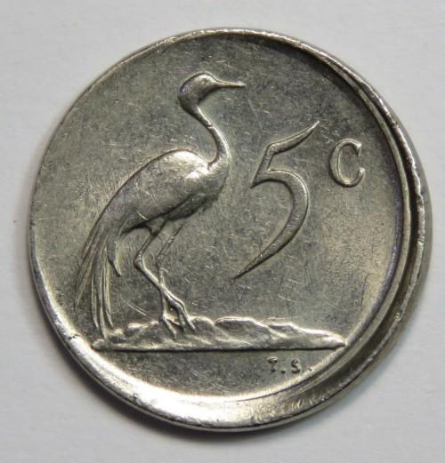1983 Error coin - 5 cent misstruck