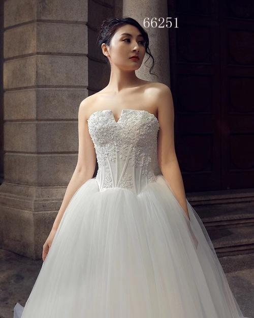 Luxurious Vintage Wedding Dress Was