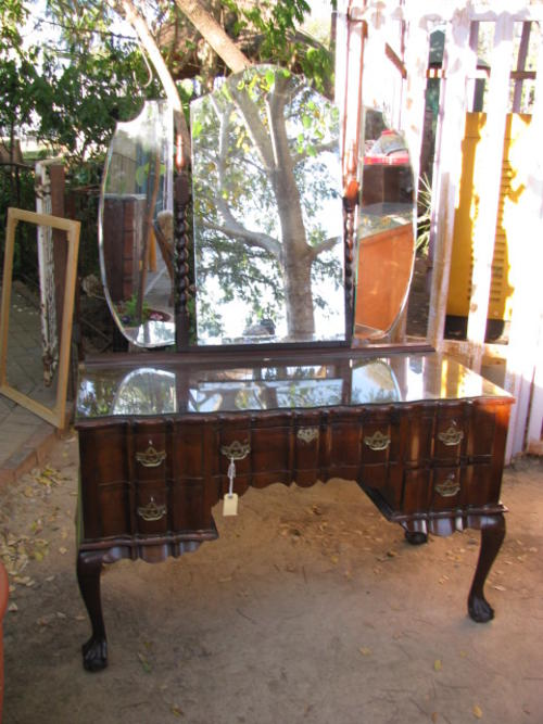 Dressers Stunning 1930 S 40 S Imbuia Ball And Claw