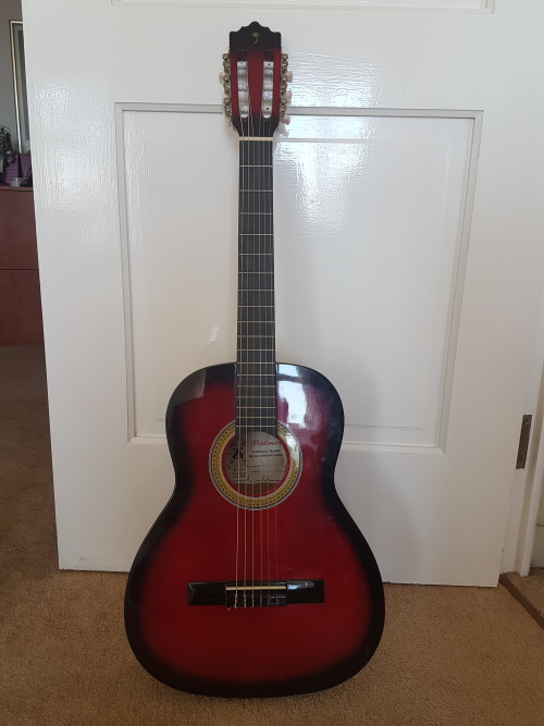 acoustic palmer acoustic guitar in excellent condition with case perfect for child learning. Black Bedroom Furniture Sets. Home Design Ideas