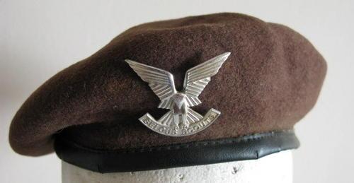Headgear Rhodesian Selous Scouts Beret With Badge