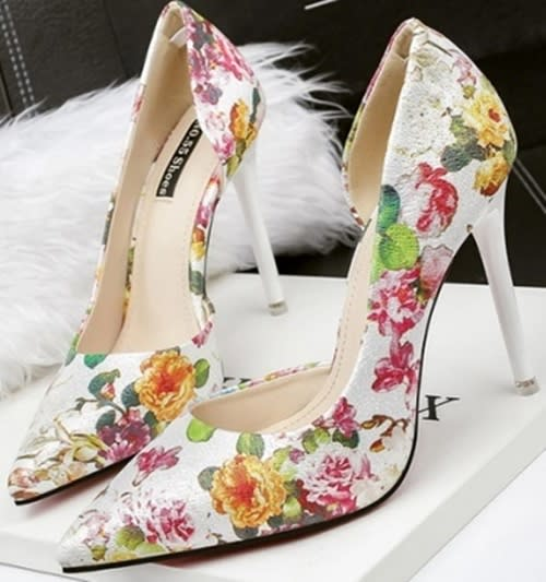 b85ae558f28702 ... Heels WILD ROSE White Floral Print Pointed Toe High Heel Pump