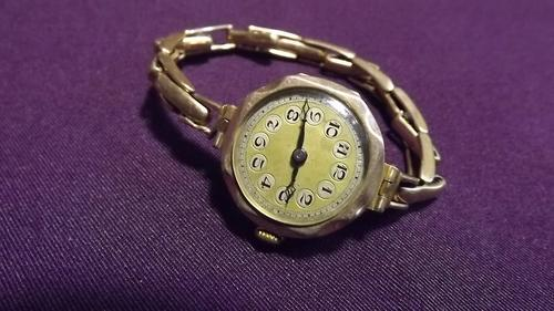 Rare Amp Collectible Watches Ladies Cyma 9ct Gold Watch