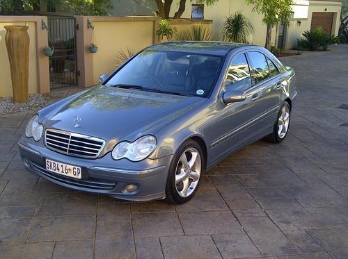 Mercedes benz 2005 mercedes benz c200 kompressor for Mercedes benz kompressor price