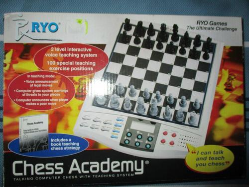 Ryo Chess Academy - Talking Chess Computer with teaching system