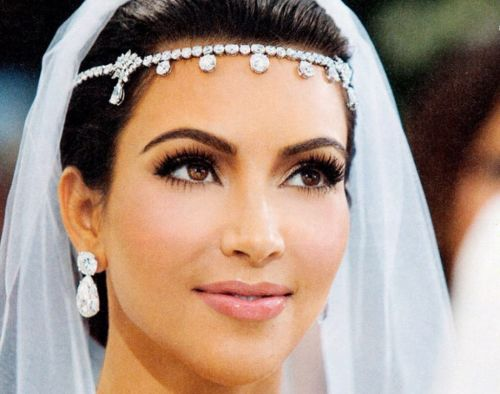STUNNING BRIDAL HEADPIECE - REPLICA KIM KARDASHIAN BRIDE S HEADPIECE -  BRIDAL OR MATRIC DANCE b04899851b4