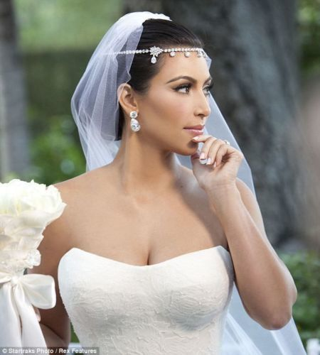BRIDAL HEADPIECE   TIARA - REPLICA KIM KARDASHIAN BRIDE S HEADPIECE - BRIDAL  OR MATRIC DANCE 8b41cb4132d