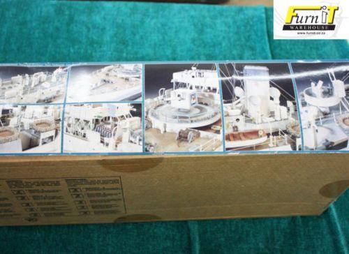 Ships & Boats - Revell Flower Class Corvette H M C S  SNOWBERRY