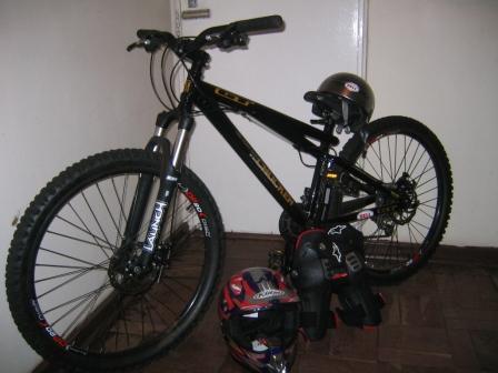 Race Gt Chucker 2 0 Dirt Jumper Mountain Bike Was Sold