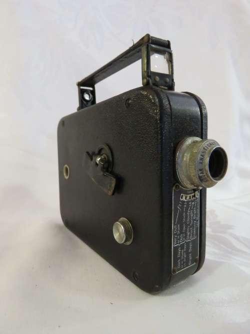 Cine-Kodak Eight model 25 movie camera