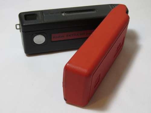 Kodak Eastman Ektra 90 pocket camera - Red
