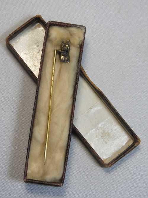 Antique Gold Scottish terrier tie pin - Test as 18kt - No hallmarks - 2.4grams